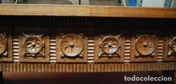 MESA BAJA DE MADERA RECTANGULAR CON LOS FRENTES TALLADOS (Antigüedades - Muebles Antiguos - Mesas Antiguas)