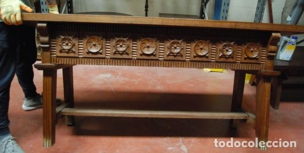 Antigüedades: Mesa baja de madera rectangular con los frentes tallados - Foto 2 - 177603463