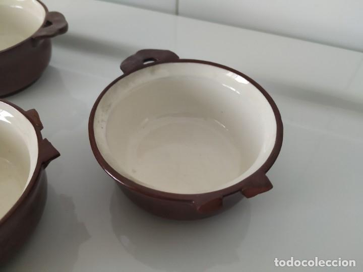 Antigüedades: Curioso juego de 16 cazuelitas cazuelas de Sarreguemines. Francia - Foto 12 - 177617260