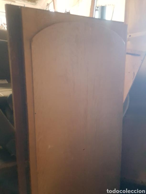 Antigüedades: Espejo biselado. Puerta de armario con espejo biselado haciendo ondas. - Foto 4 - 124514923
