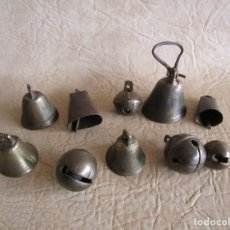 Antigüedades: LOTE DE 10 ANTIGUAS CAMPANAS Y CASCABELES VARIADOS . Lote 177647972