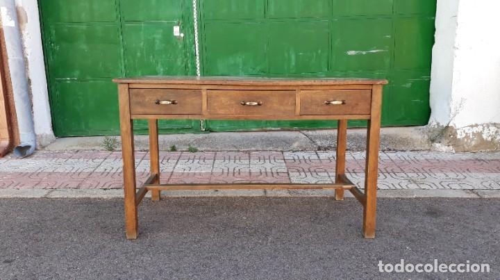 Antigüedades: Escritorio antiguo estilo industrial. Mesa tocinera antigua. Mesa de taller cocina vintage. - Foto 3 - 194156236
