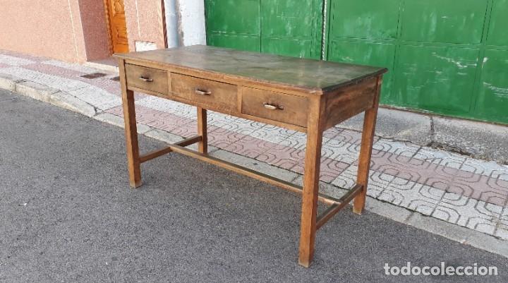 Antigüedades: Escritorio antiguo estilo industrial. Mesa tocinera antigua. Mesa de taller cocina vintage. - Foto 6 - 194156236
