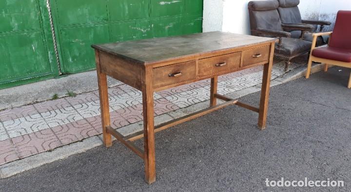 Antigüedades: Escritorio antiguo estilo industrial. Mesa tocinera antigua. Mesa de taller cocina vintage. - Foto 7 - 194156236