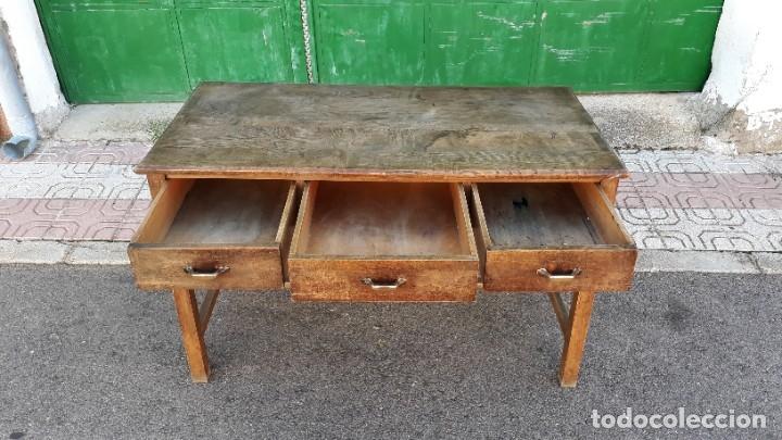 Antigüedades: Escritorio antiguo estilo industrial. Mesa tocinera antigua. Mesa de taller cocina vintage. - Foto 12 - 194156236