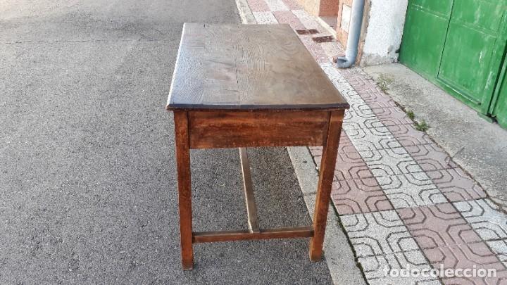 Antigüedades: Escritorio antiguo estilo industrial. Mesa tocinera antigua. Mesa de taller cocina vintage. - Foto 17 - 194156236