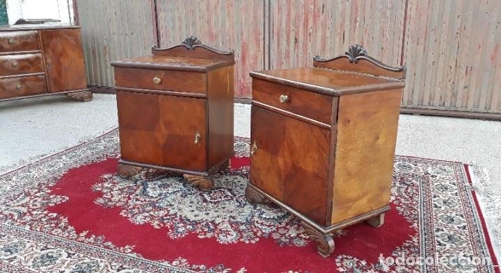 Antigüedades: 2 dos mesillas de dormitorio antiguas estilo art decó. Pareja de mesitas de noche antiguas vintage. - Foto 3 - 177668248