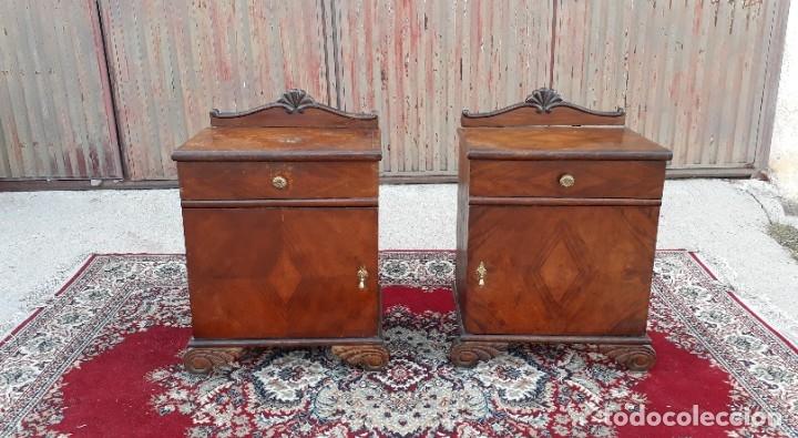 Antigüedades: 2 dos mesillas de dormitorio antiguas estilo art decó. Pareja de mesitas de noche antiguas vintage. - Foto 4 - 177668248