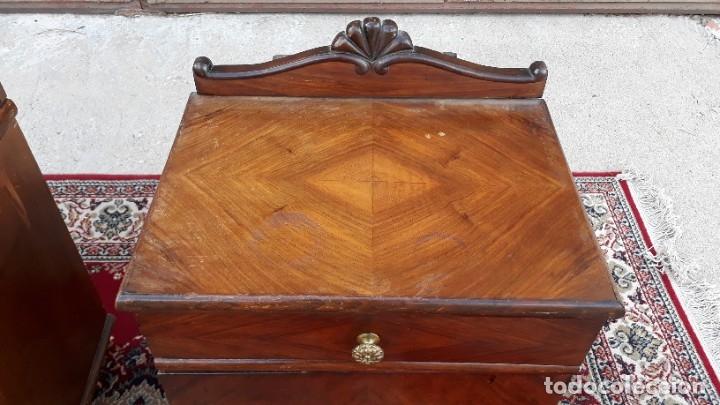 Antigüedades: 2 dos mesillas de dormitorio antiguas estilo art decó. Pareja de mesitas de noche antiguas vintage. - Foto 11 - 177668248