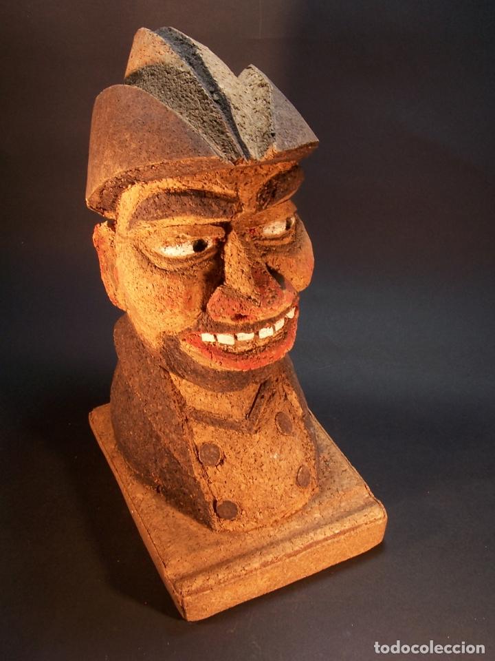 Antigüedades: Divertido sujetalibros de busto de sancho panza en corcho. Hecho y pintado a mano. 27 cm. - Foto 5 - 177669877