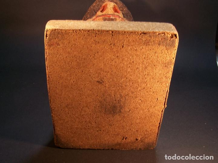Antigüedades: Divertido sujetalibros de busto de sancho panza en corcho. Hecho y pintado a mano. 27 cm. - Foto 7 - 177669877