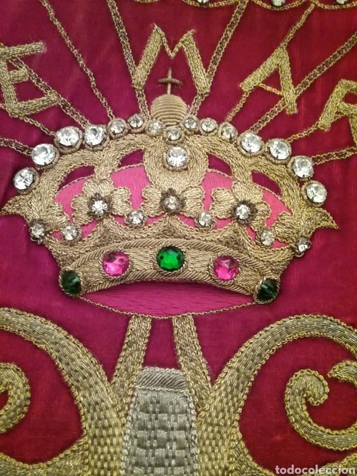 Antigüedades: Espectacular manto de la Virgen del Pilar bordado en hilo de oro y pedreria - Foto 2 - 177674868