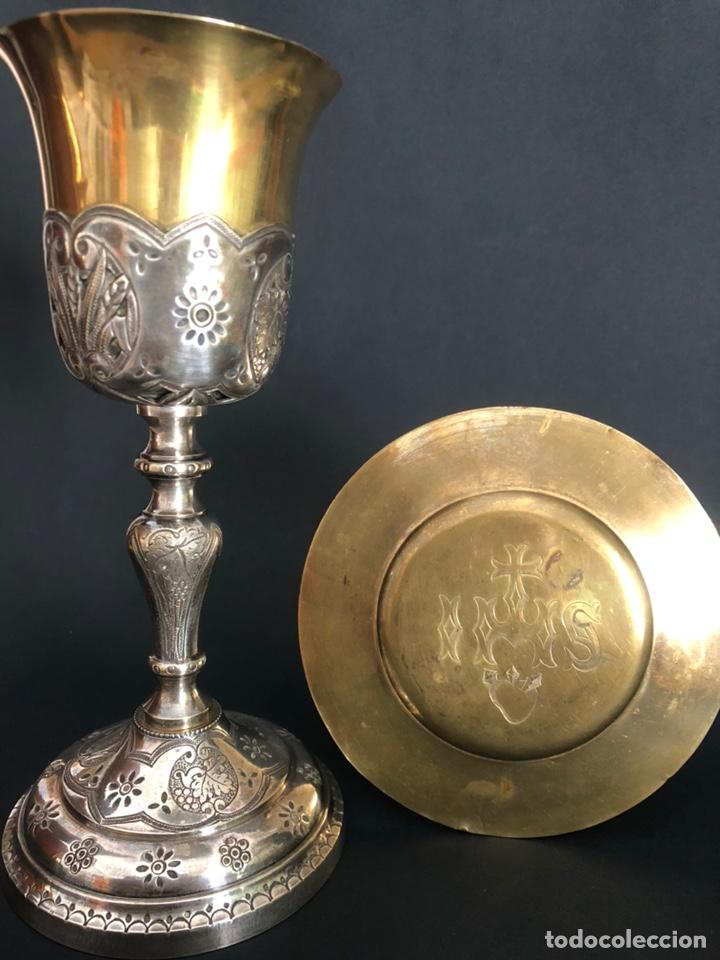 Antigüedades: Precioso y coqueto cáliz del S. XIX con su patena - Foto 3 - 177696724