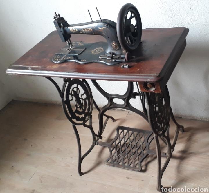 Antigüedades: Antigua máquina de coser Singer - Foto 3 - 177720947