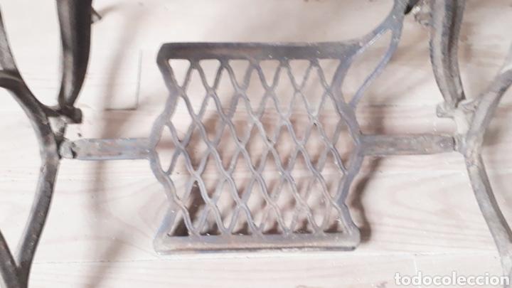 Antigüedades: Antigua máquina de coser Singer - Foto 5 - 177720947