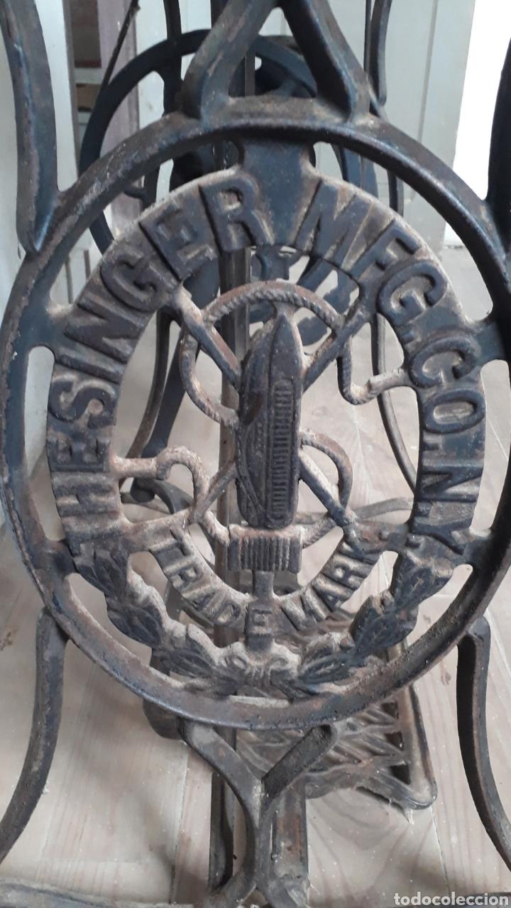 Antigüedades: Antigua máquina de coser Singer - Foto 6 - 177720947