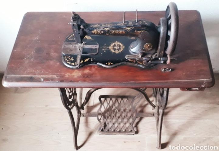 Antigüedades: Antigua máquina de coser Singer - Foto 8 - 177720947