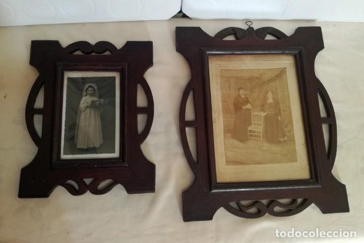 JUEGO DE DOS PORTAFOTOS MODERNISTAS CON FOTOS AUTENTICAS. (Antigüedades - Hogar y Decoración - Portafotos Antiguos)