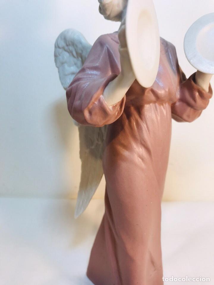 Antigüedades: Figura Porcelana-España- Algora - Angel músico Platillos- 23 cm - Foto 3 - 177775033