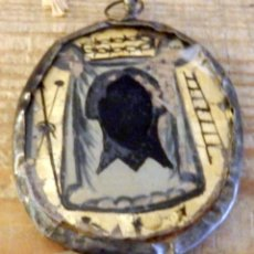 Antigüedades: PRECIOSO RELICARIO DEL SIGLO XVIII CON IMAGEN PINTADA DE UNA VIRGEN Y LA SANTA FAZ. Lote 177776120