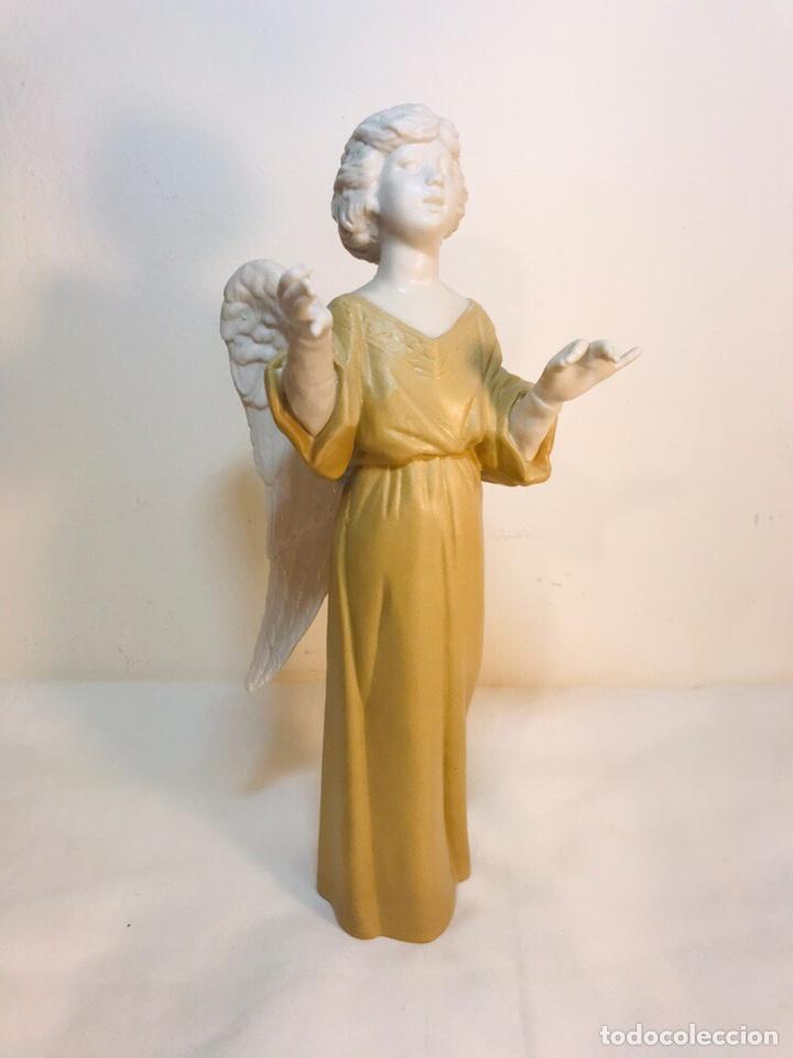 FIGURA PORCELANA-ESPAÑA- ALGORA - ANGEL MÚSICO DIRECTOR- 23 CM (Antigüedades - Porcelanas y Cerámicas - Algora)