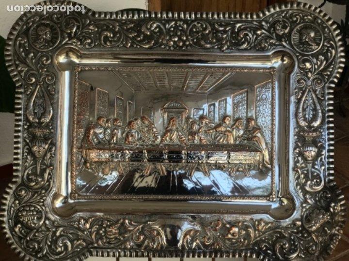 ESPECTACULAR PLAFON DE LA SANTA CENA DE DA VINCI -BAÑO DE PLATA REPUJADA. PRINCIPIOS S. XX. (Antigüedades - Religiosas - Benditeras)