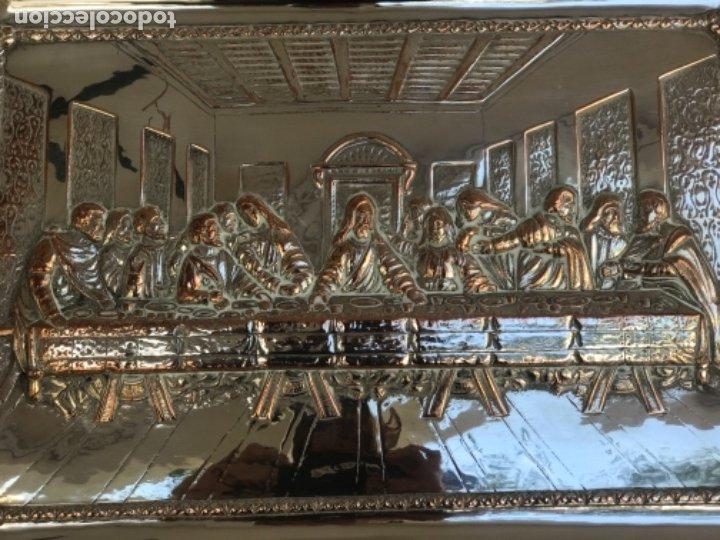 Antigüedades: ESPECTACULAR PLAFON DE LA SANTA CENA DE DA VINCI -BAÑO DE PLATA REPUJADA. PRINCIPIOS S. XX. - Foto 10 - 177779494