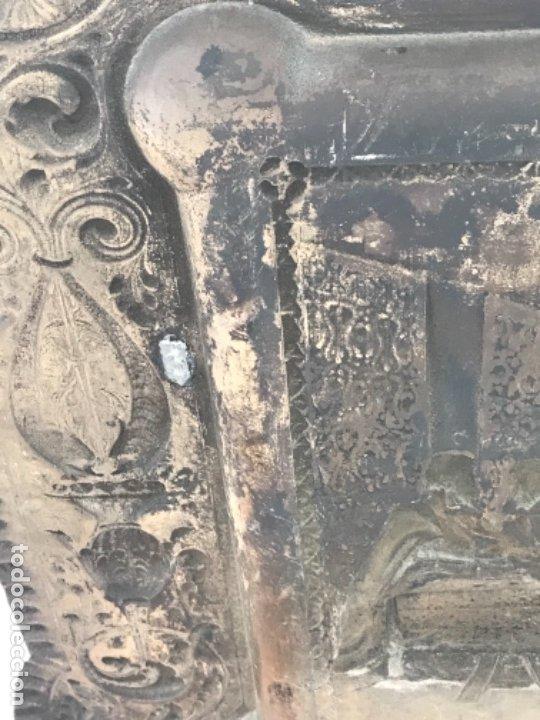 Antigüedades: ESPECTACULAR PLAFON DE LA SANTA CENA DE DA VINCI -BAÑO DE PLATA REPUJADA. PRINCIPIOS S. XX. - Foto 12 - 177779494