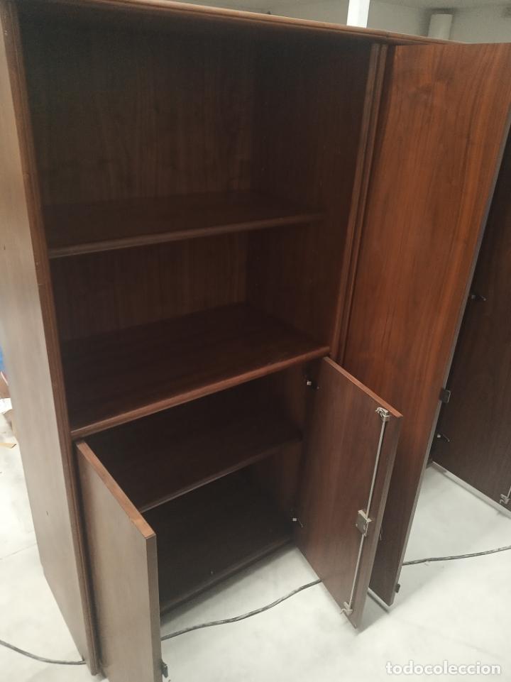 Antigüedades: Tremendo despacho compuesto de gran mesa y dos muebles con baldas y puertas. Mesa 180 × 90 y 76 cm - Foto 6 - 177801223