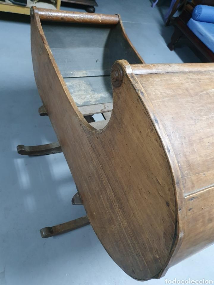 Antigüedades: Antigua cuna mecedora. - Foto 5 - 177835518