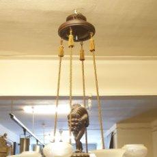 Antigüedades: LÁMPARA DE TECHO. MADERA DE ROBLE. ESTILO ART NOUVEAU. ESPAÑA. CIRCA 1940.. Lote 177860084