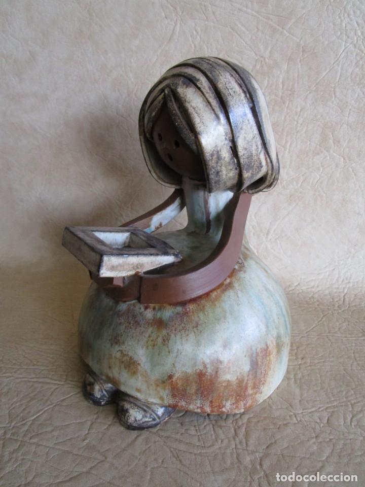 Antigüedades: figura ceramica mujer con libro firmado elisa - Foto 3 - 177862040