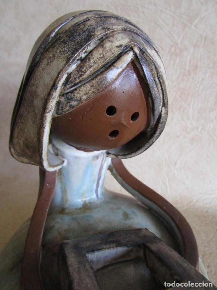 Antigüedades: figura ceramica mujer con libro firmado elisa - Foto 7 - 177862040