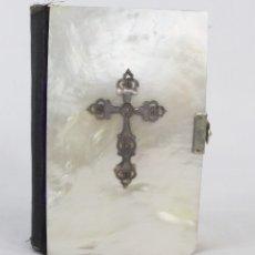 Antigüedades: MISAL DE NÁCAR Y PLATA, DIAMANTE DEL CRISTIANO, 1866. Lote 177864408