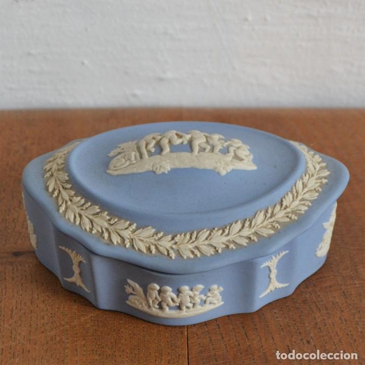 Antigüedades: CAJA JOYERO WEDGWOOD AZUL RELIEVE * PORCELANA INGLESA SELLADA - Foto 5 - 177866947