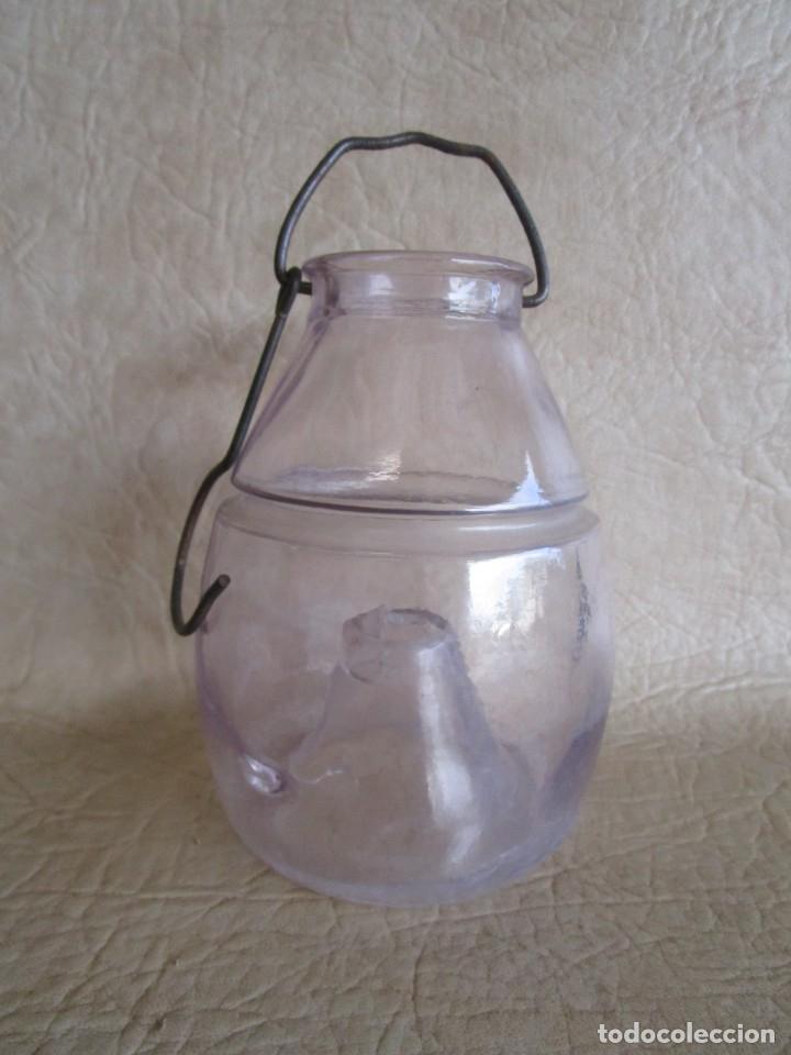 ANTIGUO ATRAPAMOSCAS O MOSQUITOS DEL VINO CRISTAL SOPLADO Y PRENSADO ATRAPA MOSCAS (Antigüedades - Cristal y Vidrio - Catalán)