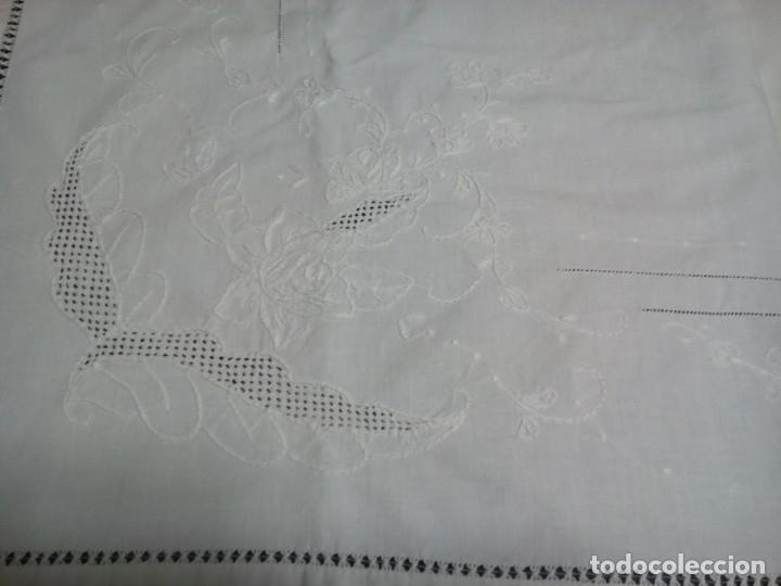 * SABANA DE ALGODON BORDADA A MANO.2,25 M. (RF:LL-46/E) (Antigüedades - Hogar y Decoración - Sábanas Antiguas)