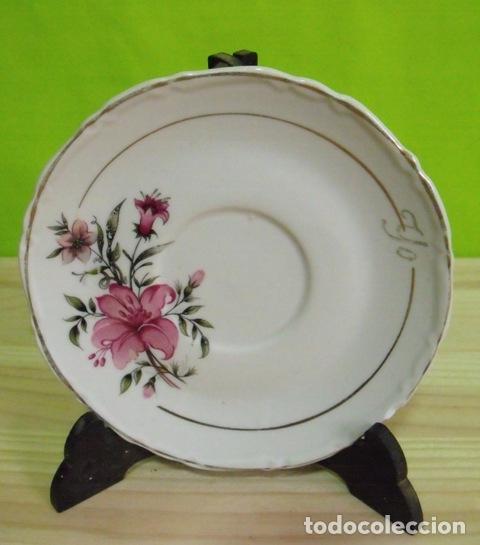 Antigüedades: Plato Porcelana Flores - Borde Filo Oro - Foto 2 - 177884979