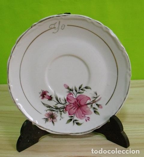 PLATO PORCELANA FLORES - BORDE FILO ORO (Antigüedades - Porcelanas y Cerámicas - Otras)