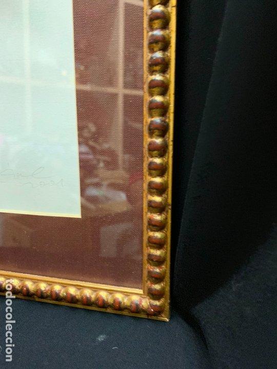 Antigüedades: Precioso marco dorado, ideal para cuadro o espejo. Contiene un retrato original, firmado. - Foto 4 - 177940958