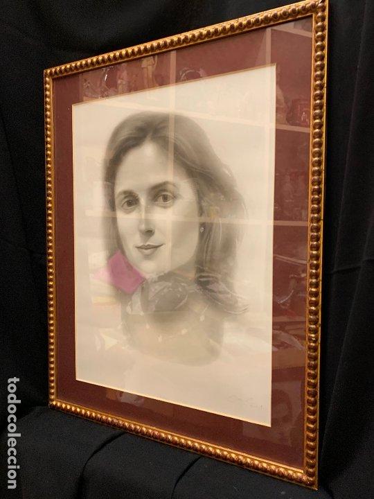 Antigüedades: Precioso marco dorado, ideal para cuadro o espejo. Contiene un retrato original, firmado. - Foto 6 - 177940958