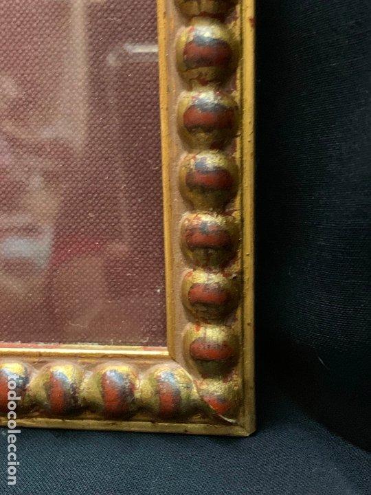 Antigüedades: Precioso marco dorado, ideal para cuadro o espejo. Contiene un retrato original, firmado. - Foto 4 - 177941015