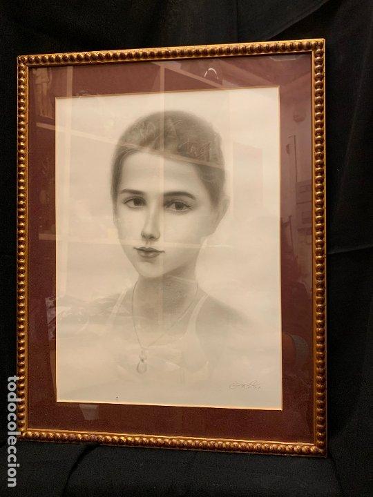 Antigüedades: Precioso marco dorado, ideal para cuadro o espejo. Contiene un retrato original, firmado. - Foto 5 - 177941015