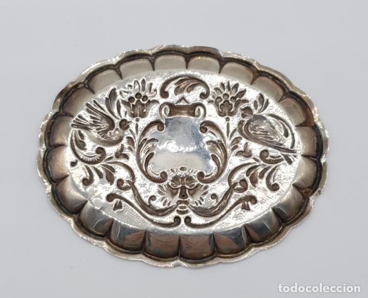 Antigüedades: Bella bandejita alhajera antigua art nouveau en plata de ley contrastada con motivos repujados . - Foto 6 - 177943184