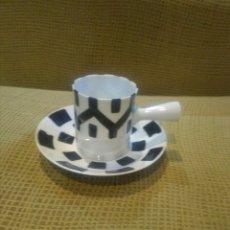 Antigüedades: TAZA Y PLATO CAFE O CASTRO,SARGADELOS. Lote 177946100