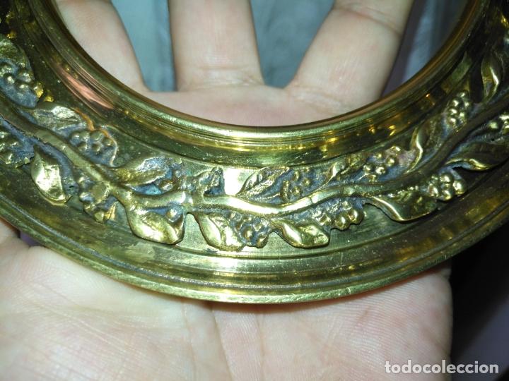 Antigüedades: 1 guanicion metal ideal torta bronce corona resplandor de virgen gran tamaño y grosor. semana santa - Foto 8 - 252380330