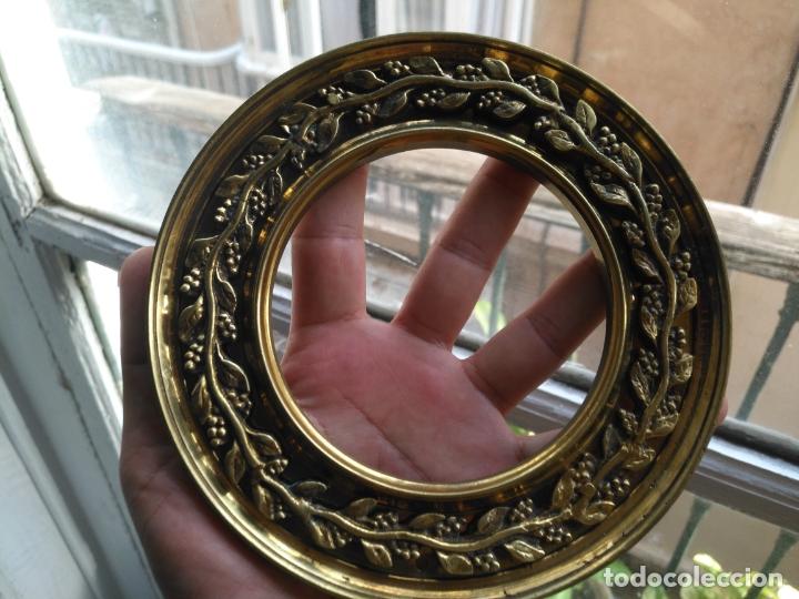 Antigüedades: 1 guanicion metal ideal torta bronce corona resplandor de virgen gran tamaño y grosor. semana santa - Foto 15 - 252380330