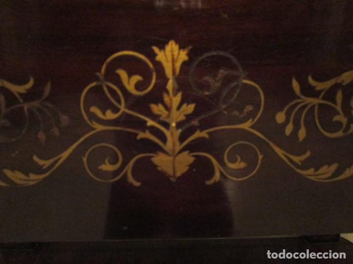 Antigüedades: Preciosa Consola Isabelina - Madera Tallada y Dorada en Pan de Oro - Marquetería en Latón - S. XIX - Foto 14 - 177980210