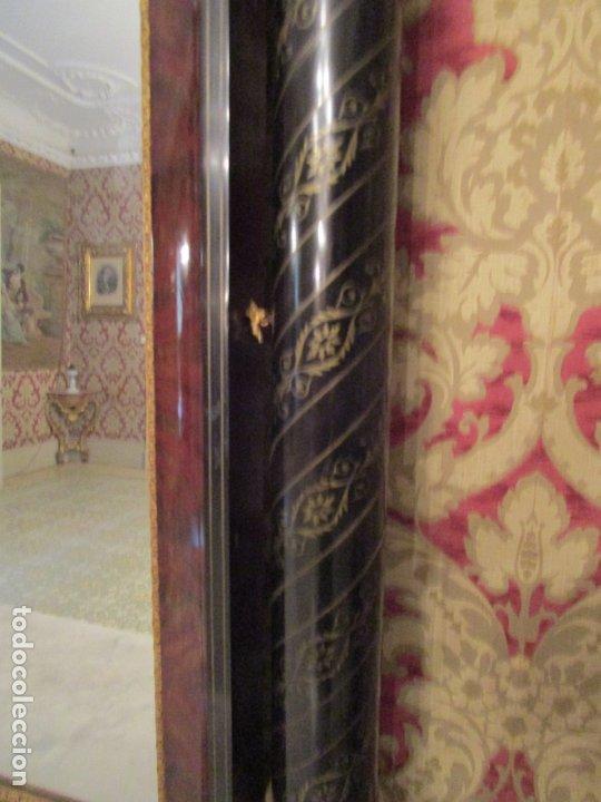 Antigüedades: Preciosa Consola Isabelina - Madera Tallada y Dorada en Pan de Oro - Marquetería en Latón - S. XIX - Foto 23 - 177980210