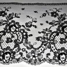 Antigüedades: BANDA DE ENCAJE. GRAN TRANSPARENCIA. VISCOSA. ESPAÑA. CIRCA 1950. Lote 178020314